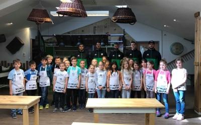 Közös sütés a Szabadhegyi iskolásokkal a Pedró Pékségben